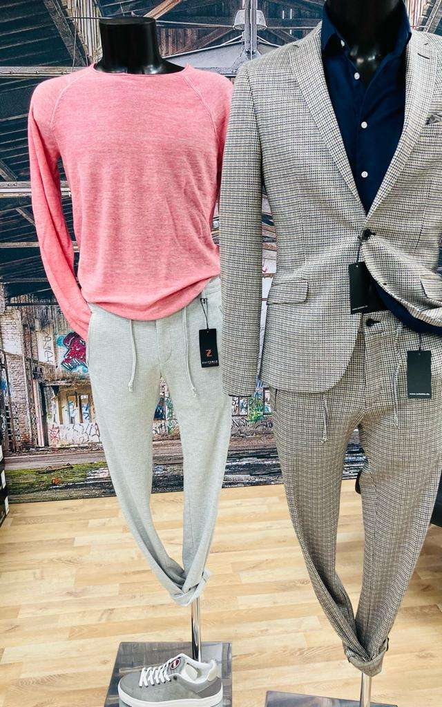 sneaker-suits-laessig